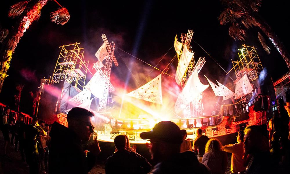 Festivales en playas vírgenes, fiestas callejeras y tiendas de vinilos; así nace la escena electrónica de Albania